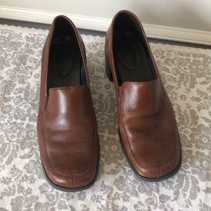 Naturalizer, brown leather loafers